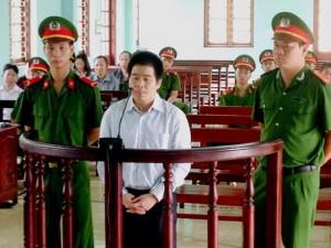 """Hồ sơ vụ án - Tòa trả hồ sơ, điều tra bổ sung vụ trùm ma túy Tàng """"Keangnam"""""""