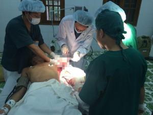 Sức khỏe đời sống - Nữ hộ sinh hiến máu cứu ngư dân đứt rời cánh tay