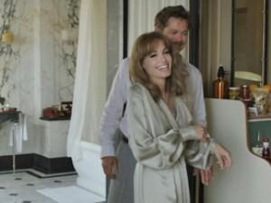 Phim mới - Angelina Jolie dịu dàng bên Brad Pitt