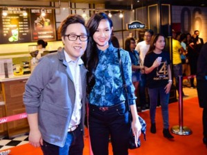 Hậu trường phim - Quỳnh Chi rạng rỡ đi xem phim