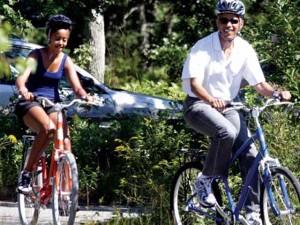 Tin tức trong ngày - Soi điền trang đẹp như mơ nhà Obama đến nghỉ hè