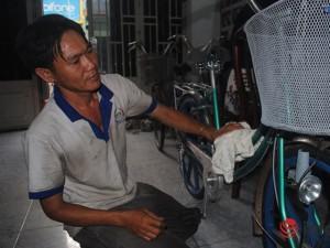 Giáo dục - du học - 10 năm ở trọ, gom góp tặng xe đạp cho học trò nghèo