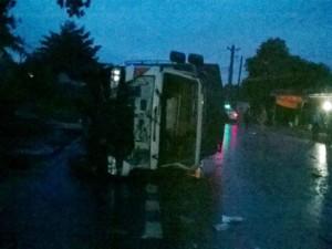 Tin tức Việt Nam - 3 xe giường nằm tông nhau, 1 người chết, 7 người bị thương