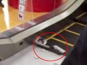 Tin tức trong ngày - Mexico: Thang cuốn nghiến nát chân một cậu bé