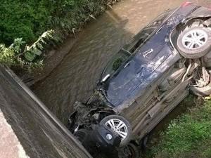 Ô tô chở 3 cán bộ Công an tỉnh Bắc Kạn rơi xuống suối