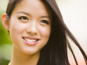 Bí quyết để răng trắng không cần kem đánh răng