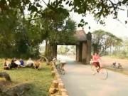 Du lịch Việt Nam - Nét cổ kính phía sau những cánh cổng làng Việt Nam