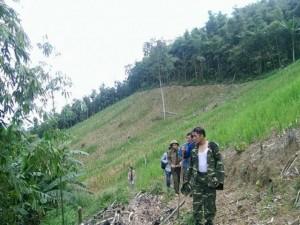 Ảnh: Xuyên rừng tìm nghi phạm vụ thảm sát ở Yên Bái