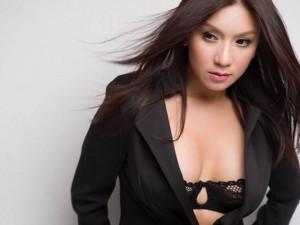 """Ngôi sao điện ảnh - Mê đắm với """"người tình sexy một thuở"""" của Lý Hùng"""