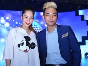 Sau 1 tháng sinh con, Khánh Thi tái xuất bên Phan Hiển