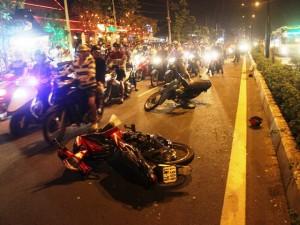 Tin tức trong ngày - TPHCM: Tháo chạy, cướp tông xe cực mạnh vào người đi đường