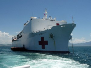Tin tức trong ngày - Siêu tàu bệnh viện của Hải quân Hoa Kỳ cập cảng Đà Nẵng