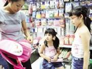 Sức khỏe đời sống - Trẻ dễ ngộ độc vì sách vở, đồ dùng có mùi thơm