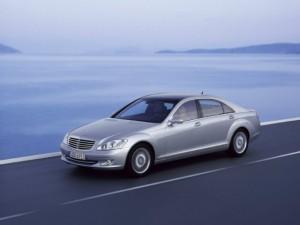 Ô tô - Xe máy - 5 lí do nên chọn mua xe cũ Mercedes-Benz W221