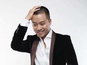 """Mặt sau cánh gà - Tuấn Hưng khiến fan cười """"té ghế"""" khi nói tiếng Thái"""