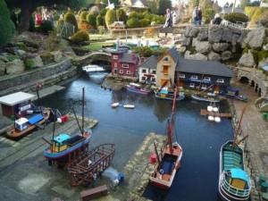 """Điểm du lịch - Ngôi làng tí hon có """"một không hai"""" ở Anh"""