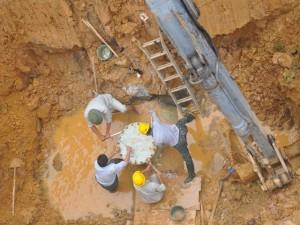 Tin tức Việt Nam - Lập đội phản ứng nhanh đối phó vỡ ống nước sông Đà