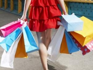 """Thời trang - 6 thói quen khó bỏ của những """"con nghiện"""" mua sắm"""