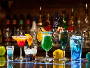 Cách pha 4 loại cocktail ngon mát ngày hè