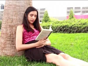 Tình yêu - Giới tính - 10 rắc rối con gái thường phải đối mặt khi trời nóng