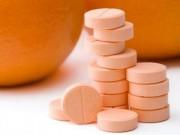 Bác sĩ của bạn - Uống quá nhiều vitamin C dễ bị rạo rực, nôn mửa