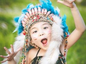 Giới trẻ - Bé gái Hà Nội hóa thân thành thổ dân nhí xinh đẹp