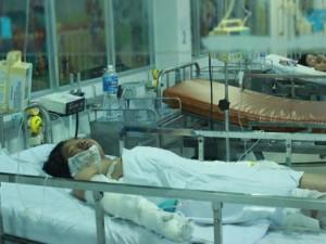 """Tin tức Việt Nam - Người bác nức nở kể vụ bé bị mẹ thiêu vì bán vé số """"ế"""""""
