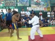 """Clip Đặc Sắc - Trận đấu """"nảy lửa"""" giữa Muay Thái và Karate"""
