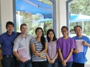 Bạn trẻ - Cuộc sống - 9x mở lớp dạy tiếng Việt miễn phí cho người nước ngoài