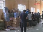 Thị trường - Tiêu dùng - Bắt đoàn xe ôtô chở mỹ phẩm lậu vào Việt Nam