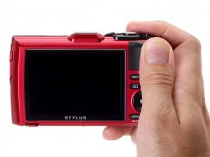 Ra mắt máy ảnh giá rẻ Olympus Tough TG-4