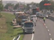 Video An ninh - 71 người tị nạn chết ngạt trên một xe tải ở Áo
