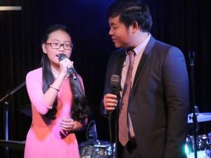"""Ca nhạc - MTV - Quang Lê vui vẻ bên Phương Mỹ Chi sau scandal """"giả tạo"""""""