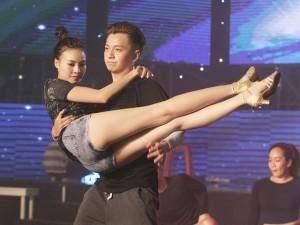 Ca nhạc - MTV - Lan Ngọc khoe cặp chân dài gợi cảm bên Ngô Kiến Huy