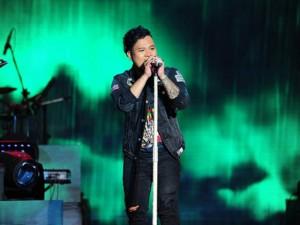 Con trai NSND Y Moan giành 3 giải tại Bài hát Việt