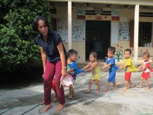 Giáo dục - du học - Cô giáo làng gần 20 năm trông trẻ miễn phí