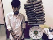 """Tệ nạn xã hội - 18 tuổi thuê taxi """"ôm"""" 20 bánh cần sa từ Vinh ra Hà Nội"""