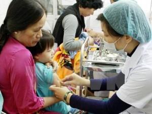 Cấm tuyệt đối tiêm chủng vắc-xin tại nhà