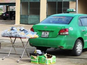 """An ninh Xã hội - Taxi """"cõng"""" hơn 3.000 kíp nổ"""