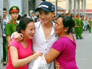 An ninh Xã hội - Ảnh: Trại tạm giam Chí Hòa vỡ òa hạnh phúc ngày đặc xá