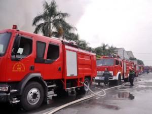 Tin tức trong ngày - TP.HCM: Cháy dữ dội trong khu công nghiệp Vĩnh Lộc