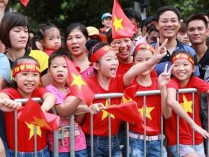 8X + 9X - Giới trẻ háo hức áo cờ đỏ sao vàng đón tết Độc Lập