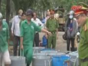 Video An ninh - Tiêu hủy gần 2 tấn tạp chất suýt bơm vào tôm