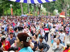 TP.HCM: Khu vui chơi đông nghẹt người ngày Quốc khánh