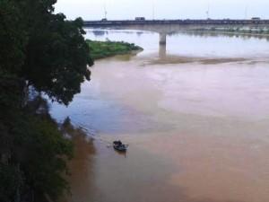 Tin tức Việt Nam - Đi bộ 3 vòng rồi bất ngờ nhảy cầu tự tử