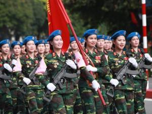 Ngắm nữ quân nhân xinh đẹp diễu binh ngày Quốc khánh