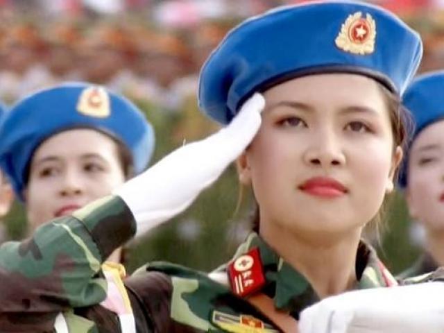 Nữ quân y đeo quân hàm Trung tá chỉ mang tính tượng trưng