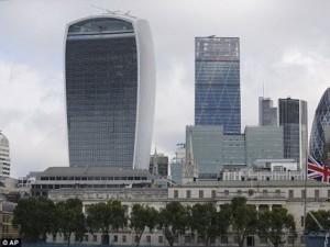 Thế giới - Tòa nhà bị ghét nhất ở Anh vì… làm tan chảy xe hơi