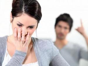 """Tình yêu - Giới tính - Làm gì khi trong mắt mọi người, chồng tôi là """"thằng đểu""""?"""