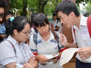 Giáo dục - du học - Học sinh phải tăng mức đóng BHYT: Làm sao để bớt nặng gánh?